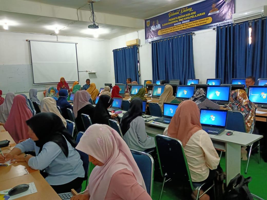 SMP Negeri 19 Percontohan Banda Aceh Melaksanakan Pelatihan Bedah Kisi-kisi Ujian Nasional SMP Negeri/Swasta Se-Kota Banda Aceh Tahun 2020