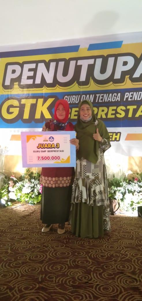 Juara III Guru Prestasi Tahun 2020